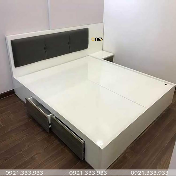 Giường gỗ công nghiệp trắng có hộc kéo bên hông