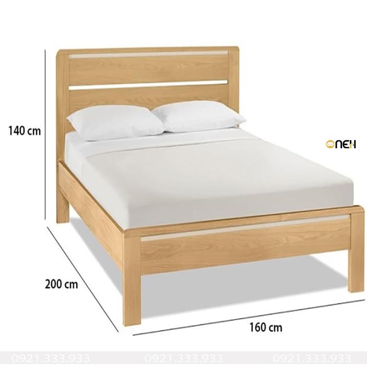 Giường làm bằng gỗ sồi Nga màu gỗ sáng