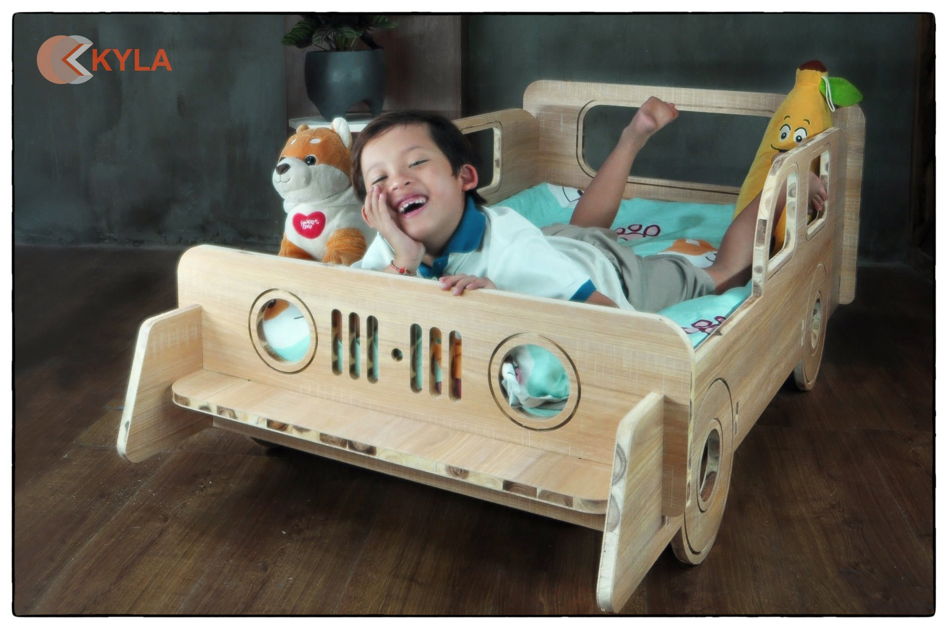 Giường ngủ Xe Jeep Gỗ Tràm Tự Nhiên