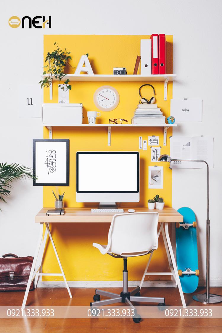 Trang trí bàn làm việc đa dạng màu sắc