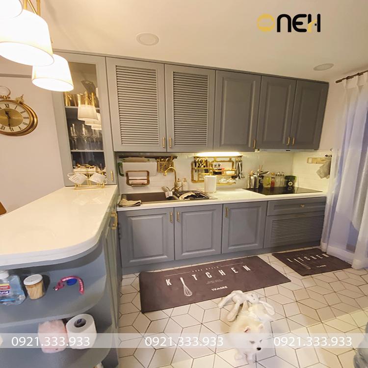 Phòng bếp được trang theo phong cách cổ điển