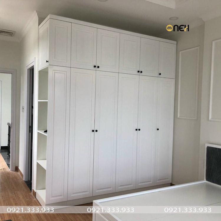 Thiết kế tủ quần áo gỗ công nghiệp 5 cánh phong cách tân cổ điển sang trọng