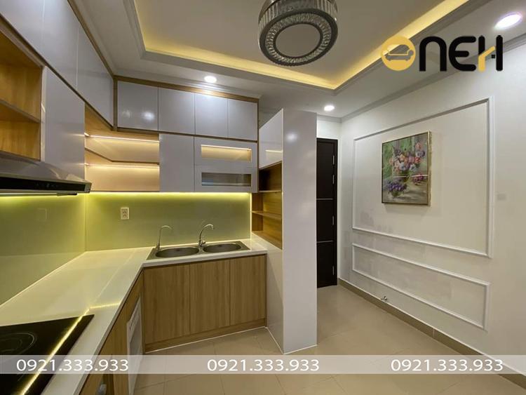 Tủ bếp hiện đại chất liệu gỗ HDF thiết kế tích hợp nhiều ưu điểm