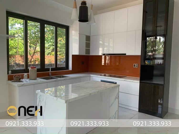 Tủ bếp acrylic thiết kế đa dạng đáp ứng mọi nhu cầu sử dụng