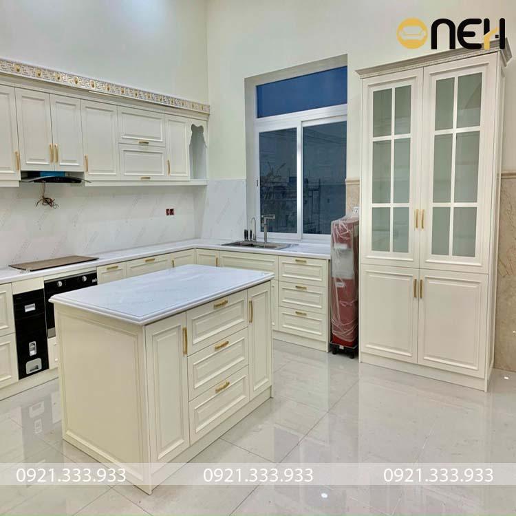 Kết cấu tủ bếp tân cổ điển đẹp mắt, tích hợp nhiều chức năng
