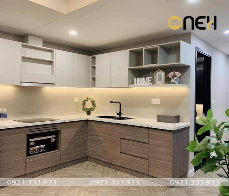 Thiết kế tủ bếp laminate chữ L hiện đại cho gia đình