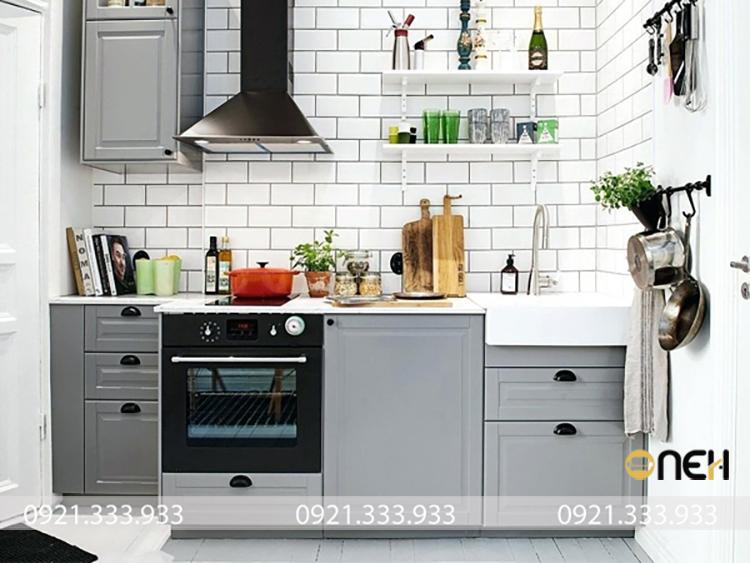 Mẫu tủ bếp mini kiểu dáng chữ I thiết kế nhỏ gọn nhưng vẫn đảm bảo đầy đủ công năng.