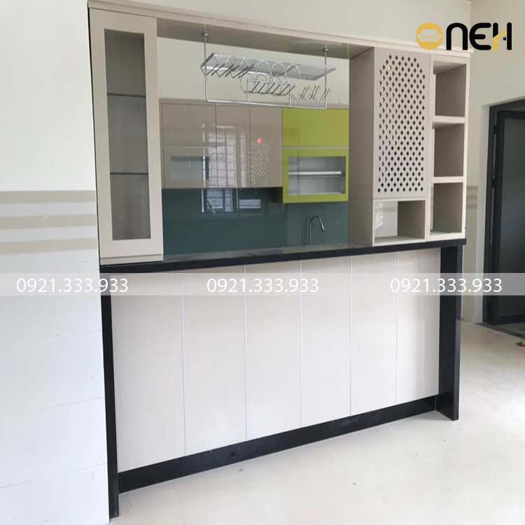 Tủ bếp gỗ acrylic nhỏ gọn cho nhà chung cư