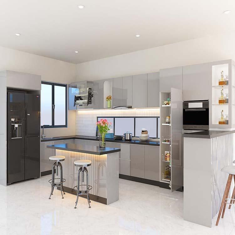 Tủ bếp có đầy đủ các chức năng từ kệ bát, kệ xoong, kệ tủ đựng vật dụng cần thiết