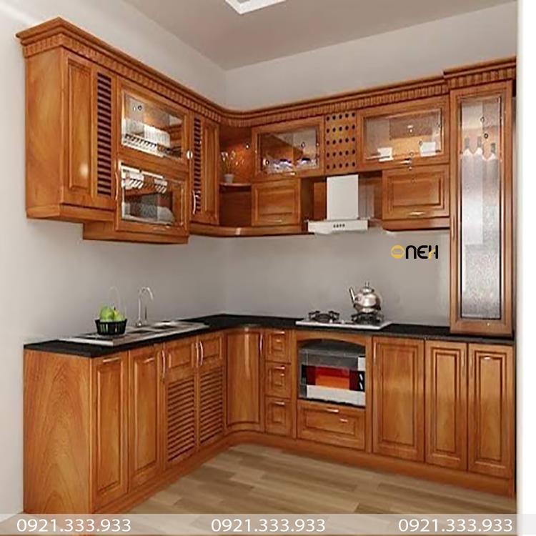 Tủ bếp gỗ tự nhiên có màu gỗ đẹp với các đường vân gỗ là điểm nhấn