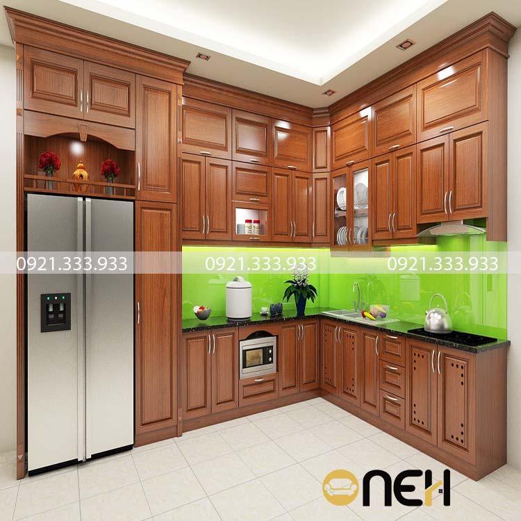 Tủ bếp gỗ xoan đào được phun sơn PU theo yêu cầu của khách hàng