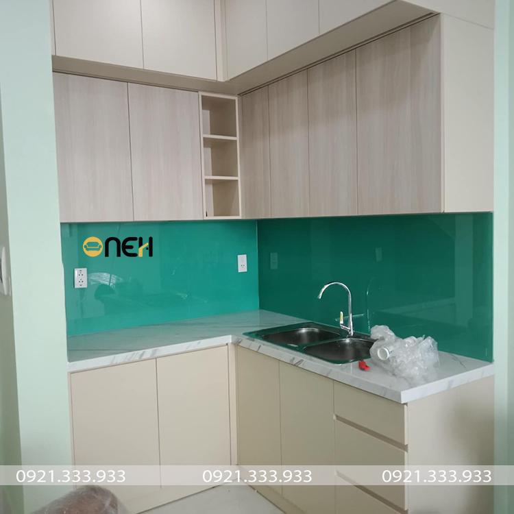 Tủ kệ bếp gỗ MFC màu vân gỗ sáng  có giá thành thấp hơn tủ bếp gỗ MDF