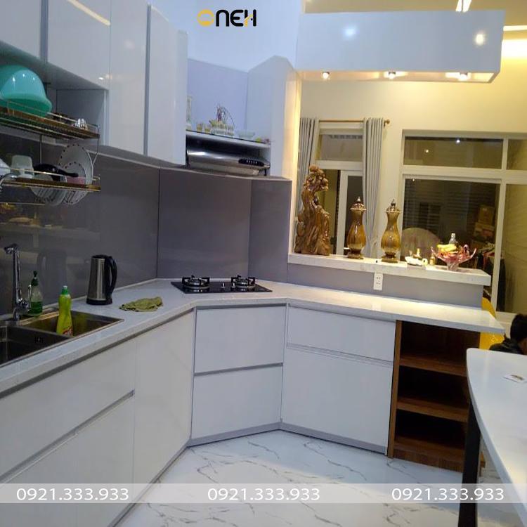 Tủ bếp MDF có giá thành rẻ so với MDF lõi xanh