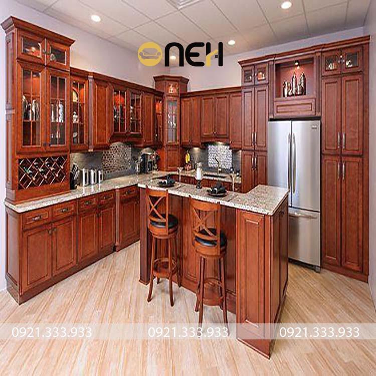 Tủ bếp gỗ tự nhiên mang phong cách cổ điển