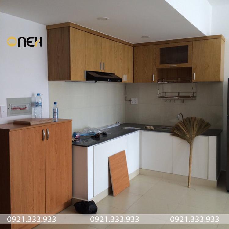 Tủ bếp inox cánh gỗ laminate thiết kế đáp ứng nhu cầu người dùng