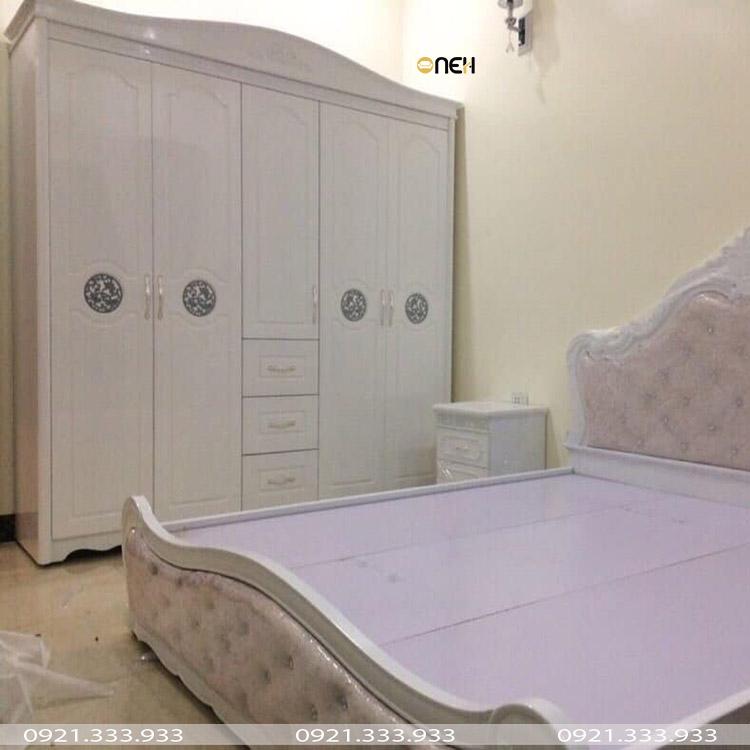Tủ quần áo đẹp gỗ tự nhiên bề mặt phủ sơn trắng tinh tế sang trọng