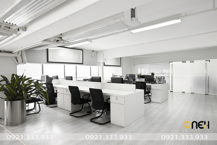 Đóng nội thất gỗ văn phòng theo yêu cầu với thiết kế hiện đại