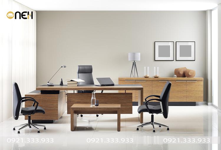 Đóng nội thất gỗ văn phòng theo yêu cầu chất liệu gỗ ông nghiệp bền chắc