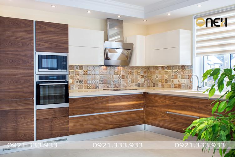 Thiết kế tủ bếp gỗ tự nhiên đẹp sang trọng, ấm áp