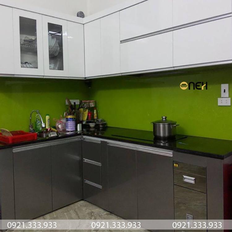Tủ bếp acrylic có độ chống thấm chống trầy xước tốt