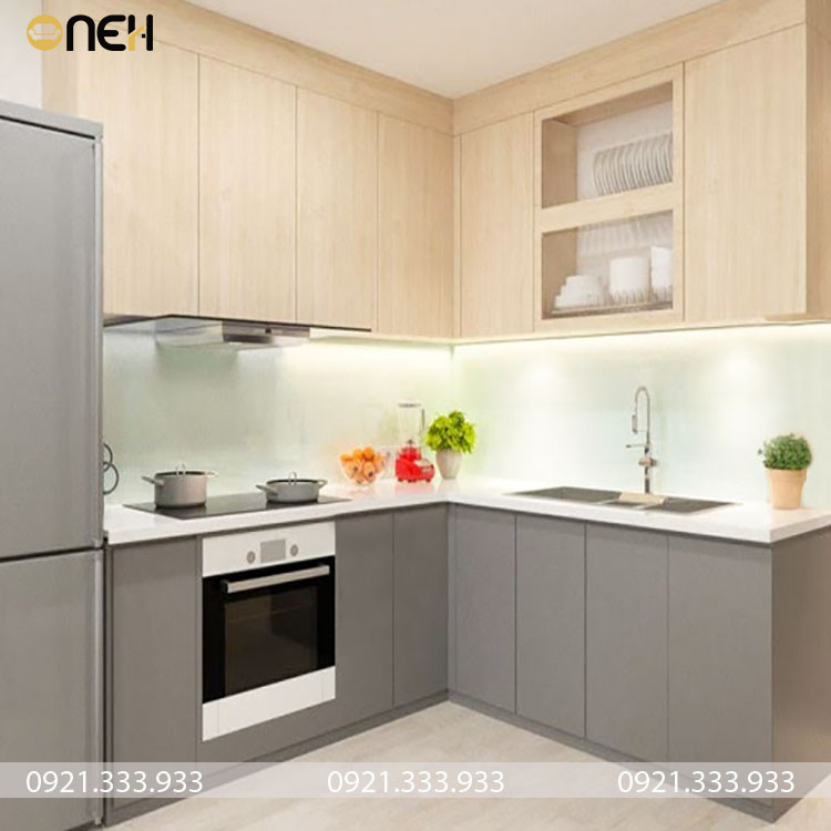 Tủ bếp này không bao gồm khung chứa tủ lạnh phù hợp với các bạn nào thích căn bếp gọn đơn giản