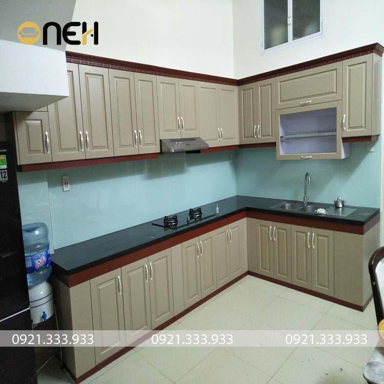 Tủ bếp được làm bằng gỗ công nghiệp MDF melamine chống ẩm tốt