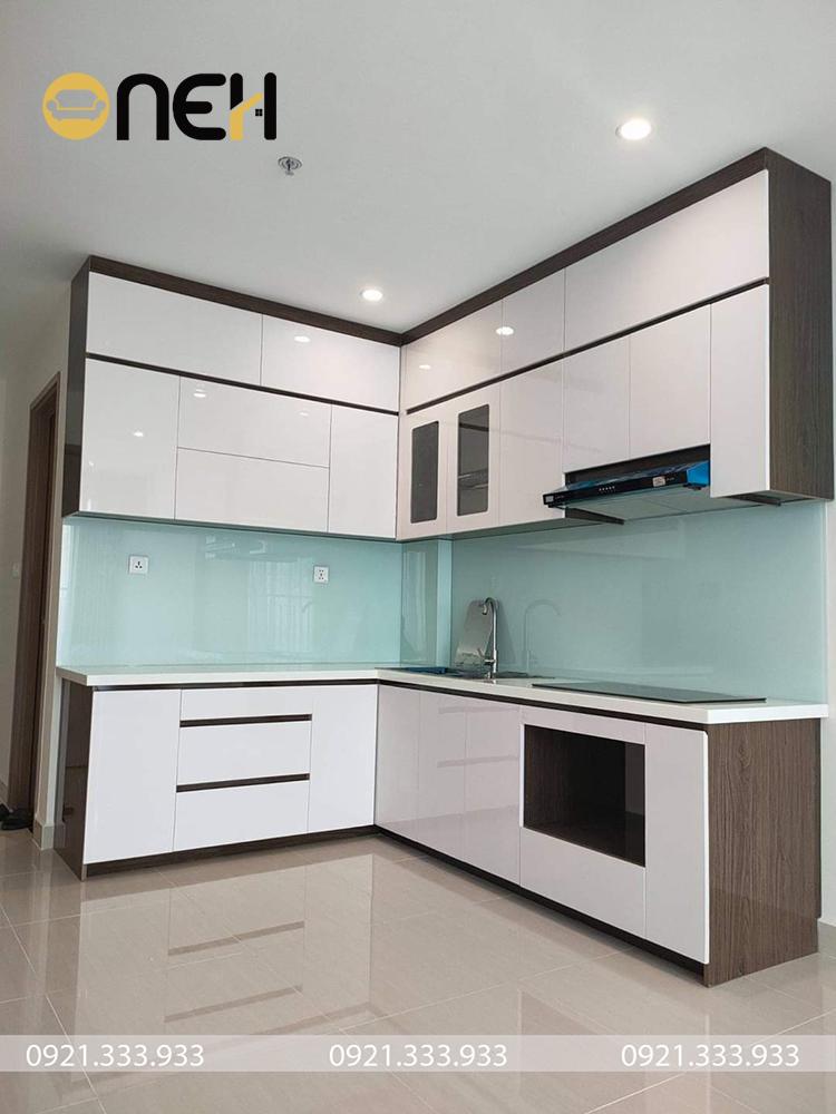 Tủ bếp công nghiệp thiết kế phong cách hiện đại, kết cấu tiện ích
