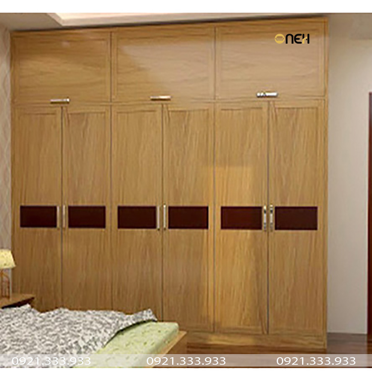 Tủ quần áo gỗ tự nhiên âm tường đóng theo yêu cầu