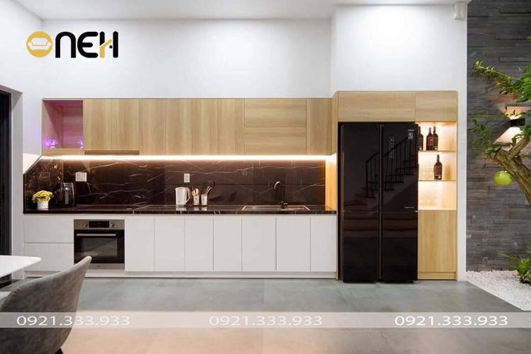 Tủ bếp gỗ thiết kế ưu tiên giải pháp công năng nhưng vẫn đáp ứng được tính thẩm mỹ
