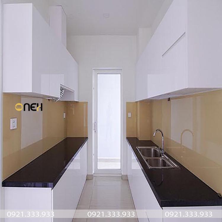 Tủ bếp song song được dùng phổ biến cho các căn bếp có chiều ngang hẹp