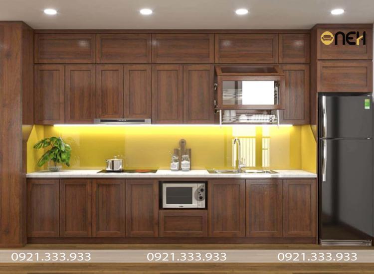 Kết cấu tủ bếp gỗ tần bì tự nhiên chắc chắn, chịu lực tốt