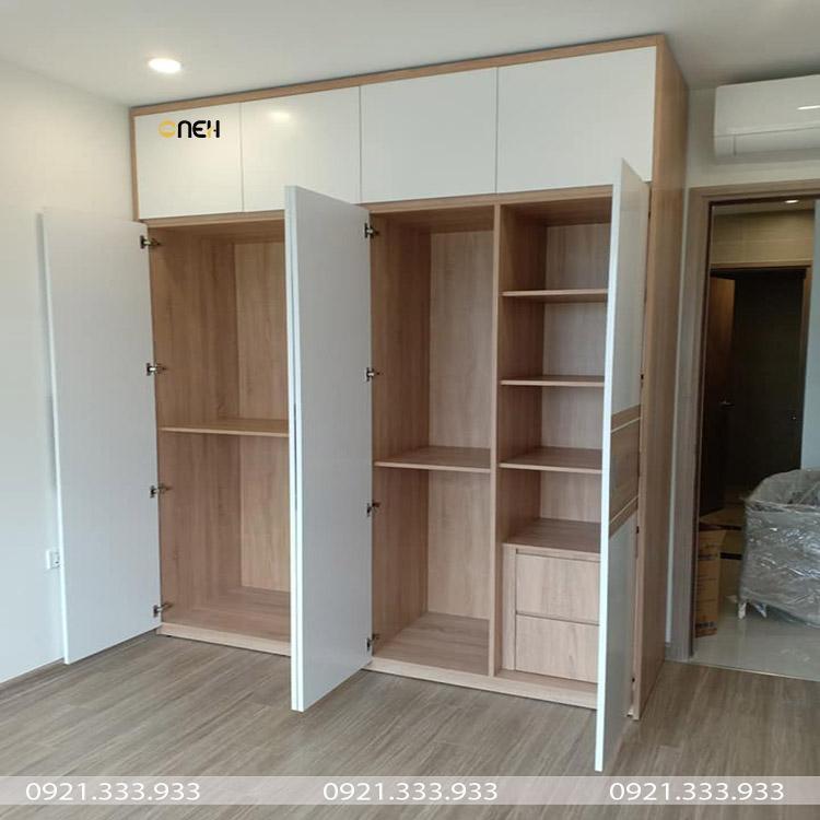 Tủ quần áo 4 cánh mở có thiết kế  nhiều ngăn để đồ có diện tích khác nhau